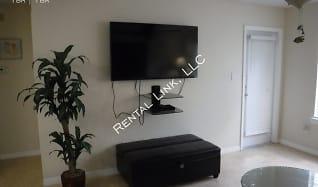 Living Room, 4006 Crockers Lake Blvd - 216