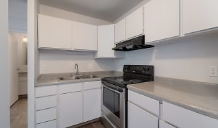 Kitchen, LeVail Chateau Apartments