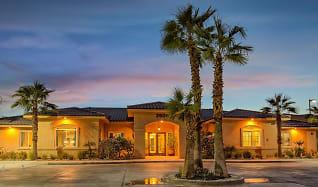 Miraflores Luxury Apartments, Brawley, CA