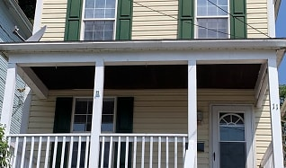11 E Pitt St, South Strabane, PA