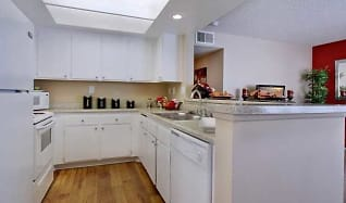Apartments For Rent In Pomona Ca 128 Rentals Apartmentguide Com