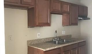 Kitchen, 113 W Pinetree Dr