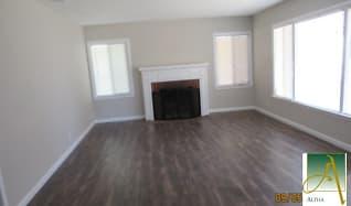 Living Room, 4500 Summit Way