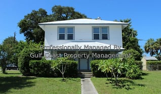 5432 4th Street East, Whitfield, FL