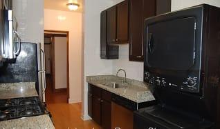 Kitchen, 1535 W Addison Apartments