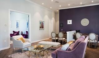 Living Room, Alexandria Parc Vue