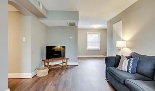 Living Room, 2811 Arlington Blvd #101B