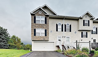 111 Antler Hollow Ct, Mars, PA