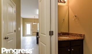 Bathroom, 44 Hamilton Blvd NW