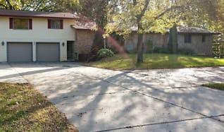 712 Riverside Ave N, Granite Ledge, MN