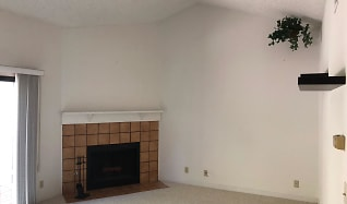Living Room, 6043 Joaquin Murieta Ave