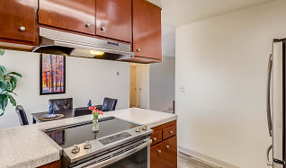 Dining Room, Seawind Apartments