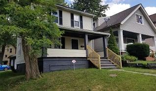 4838 Rockwood Road, Broadview Heights, OH