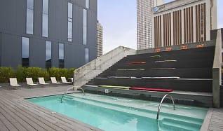Pool, 930 Poydras