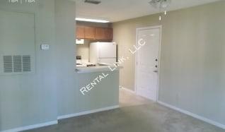 4024 Crockers Lake Blvd - 615, Utopia, FL