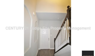 Front Entryway, 6638 Mountain Trail