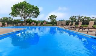 Pool, Arbors Of Grandview