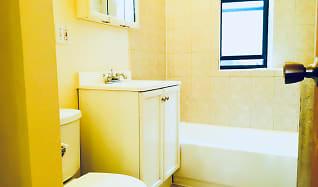 Bathroom, 7100 N. Sheridan Apartments