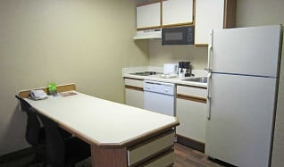 Kitchen, Furnished Studio - Orlando - Lake Mary - 1040 Greenwood Blvd