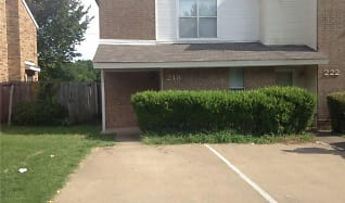 218 Country Bnd, Red Oak, TX