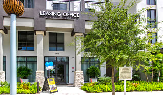 Leasing Office, Palmetto Station