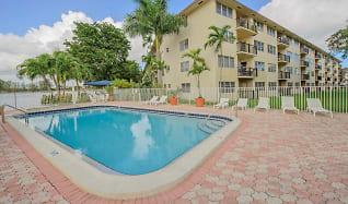 Pool, Apartments at Crystal Lake