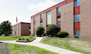 Building, Churchview Garden Apartments