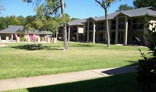 Building, Royal Oaks Apartments (TX)