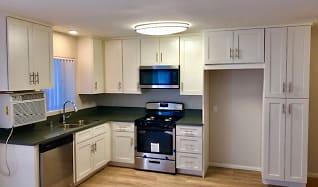 Kitchen, Towne Center Garden Apartments