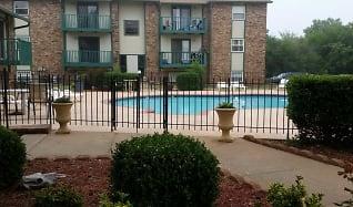 Pool, Indian Oaks Apartments