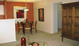 Dining Area at the Oak Pointe Apartment Homes in Simpsonville , SC, Oak Pointe Apartments