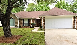 121 Marsh Edge Lane, Colonial Oaks, Savannah, GA
