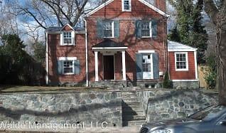 8512 Lynwood Place, Montgomery, MD