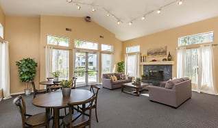 Palm Court Apartment Homes, San Jacinto, CA