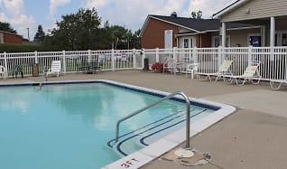 Pool, Macomb Manor