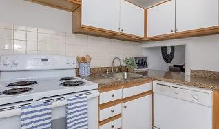Kitchen, Nutmeg Woods