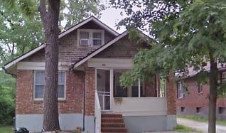 21 E. Stewart Rd., Centralia, MO