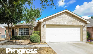 2908 Bourbon St, South Fork, Fort Worth, TX