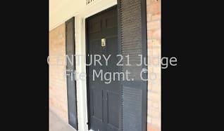 Welcome to Colonial Gardens Condo, 5061 Ridglea Lane #1214