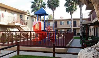 Playground, Casa Madrid