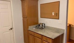 Bathroom, 603 Admiral Dr Unit 304