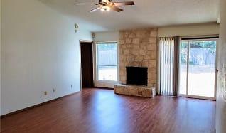 Living Room, 308 E Garrett RUN