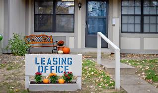 Leasing Office, Cedarwood Apartments