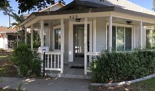423 E. 8th St, Corona Ranch, Corona, CA