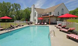 Pool, Woodland Mews