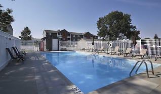 Pool, Prairie Tree Apartments
