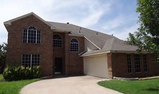 100 Bob White Drive, Red Oak, TX