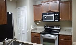 Kitchen, 4032 Crockers Lake Blvd - 826