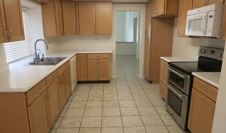 Kitchen, 2190 S Glenwood Avenue