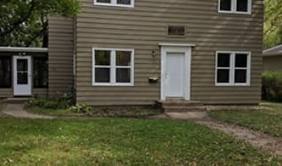 420 4th Ave NE #2, Granite Ledge, MN
